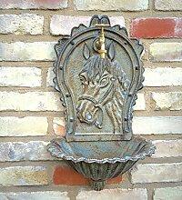 antikas–Lavabo en tant que Fontaine murale