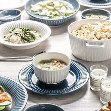 Assiette de cuisine en céramique à rayures