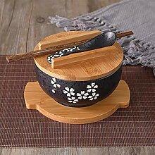 Bol de nouilles de riz de style japonais avec
