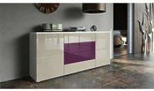 Buffet blanc mat et façade violet et gris sable