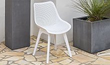 Chaise de jardin blanche en pvc perforé