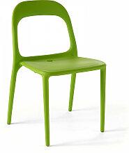 Chaise en plastique de jardin