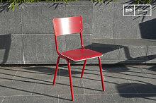 Chaise scandinave Skole rouge