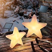 Ensemble d?étoiles lumineuses solaires couleur de