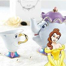 Ensemble de tasses à thé avec théière, tasse