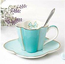 Ensemble tasse à café, soucoupe, tasse à
