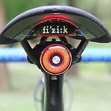 Feu arrière de vélo avec capteur de freinage