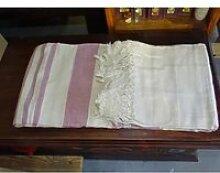 kerala dessus de lit indien de couleur pastel rose