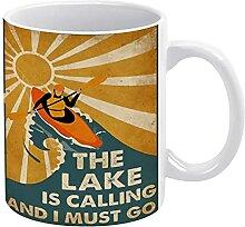 Mug avec inscription « The Lake is Calling and I