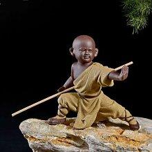 Petite sculpture de moine en céramique,