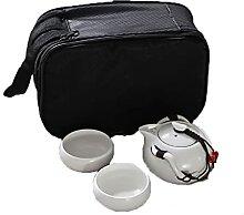 Pingouin portable, un pot, quatre tasses de thé