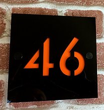 Pochoir plaque de maison avec numéro et nom de rue