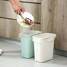 Poubelle en plastique pour salle de bain et