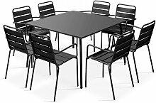 Table de jardin carrée et 8 fauteuils en métal