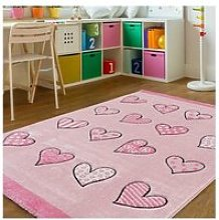 Tapis enfant 133x190 cm rectangulaire coeur rose
