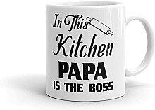 Taza de café para abuelo en esta cocina Papa is