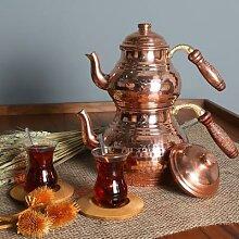 Théière en cuivre traditionnel turc fait à la
