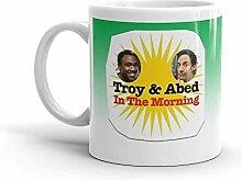 Troy et Abed dans la tasse de café du matin